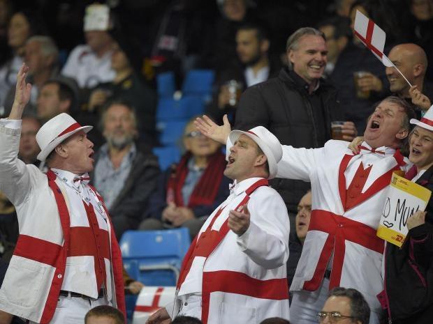 england-rugby-fans-sing.jpg