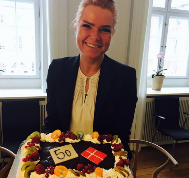 minister-cake.png