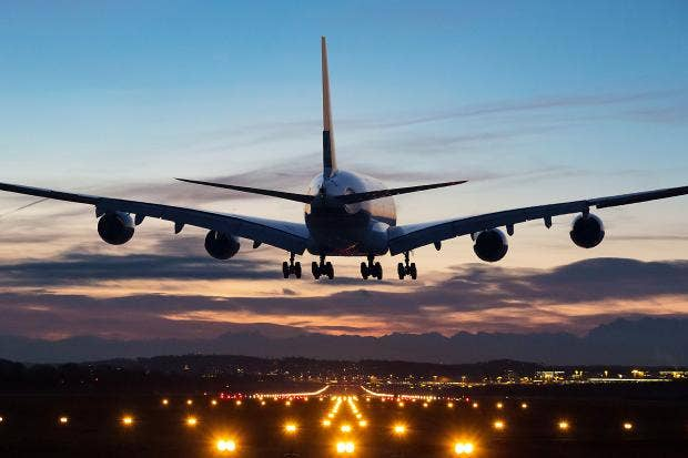 landing-plane.jpg