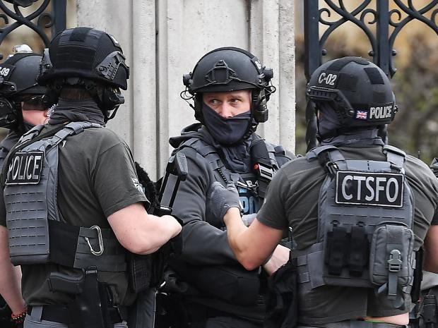 armed-police-2.jpg
