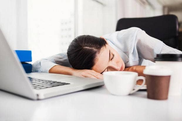 Scientists urge bosses to let employees take afternoon nap to cope