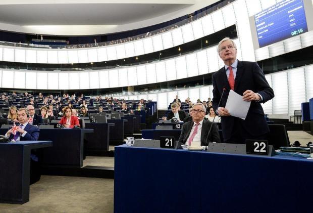 european-parliament-barnier-farage.jpg