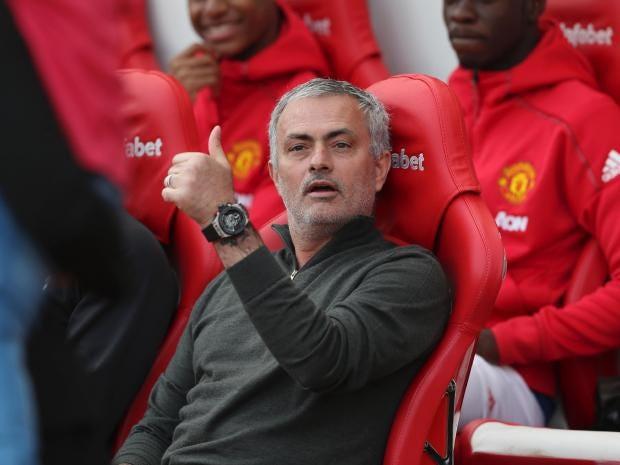 mourinho-thumbs-up.jpg