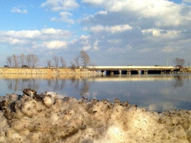 Road salt a threat to freshwater lakes, study suggests