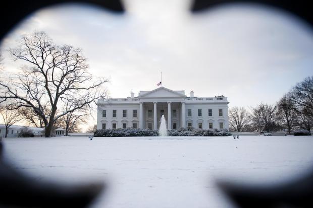creepy-white-house