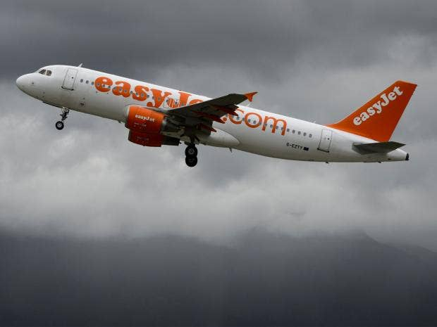 Easyjet apologises for removing two overbooked passengers day after United Airlines incident