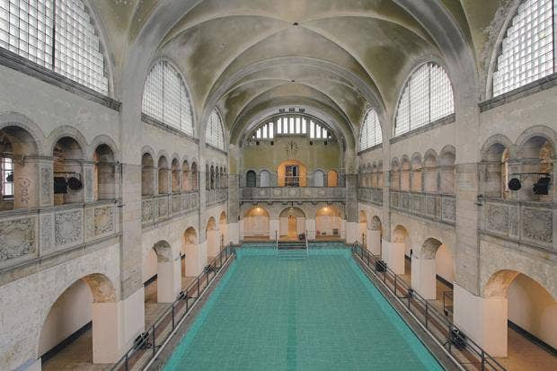 Hotel oderberger the old bathhouse making a splash in for Kuche co berlin prenzlauer berg