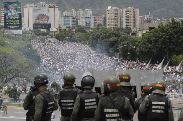 Bolivarian-National-Guards-bolivia-chavez.jpg