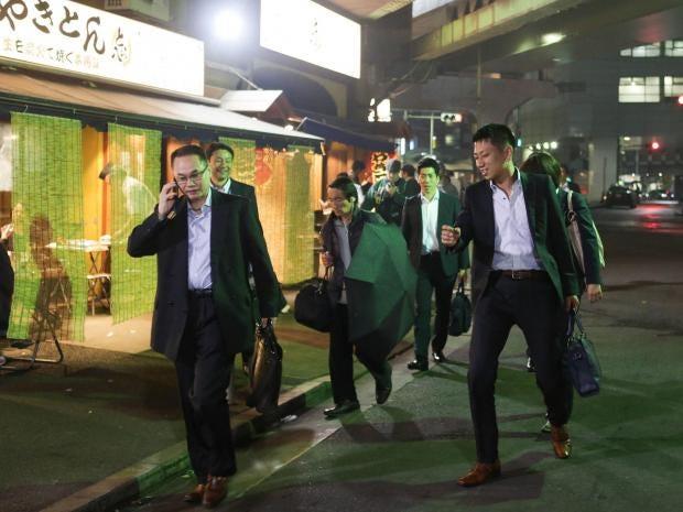 japan-salary-men-drinking.jpg