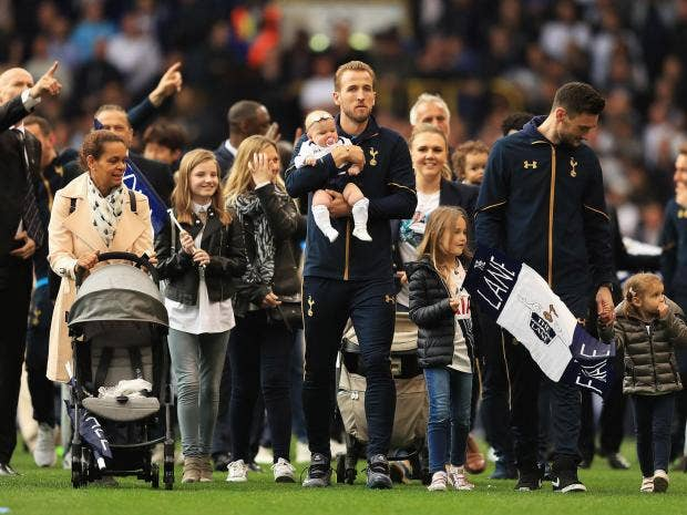 Small bants, Harry Kane and his family are triggered.