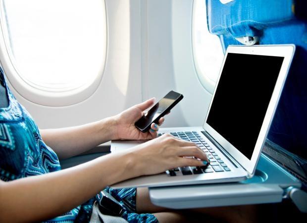 laptop-flight-ban-postponed.jpg
