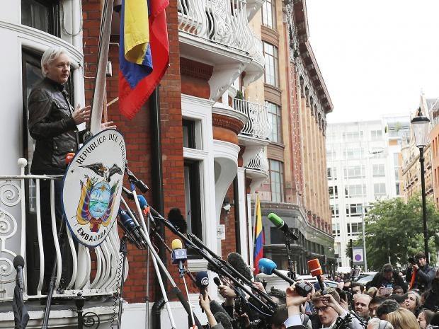 julian-assange-charge.jpg
