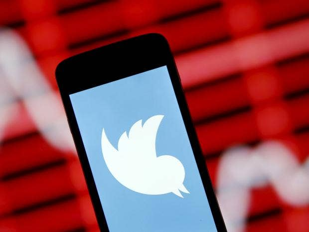 twitter-smartphone.jpg