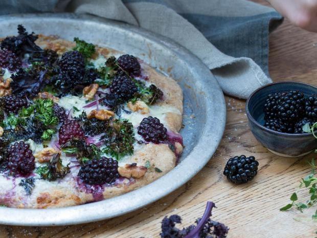 blackberry-spelt-pizza.jpg