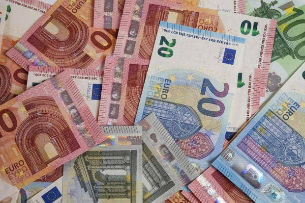 Where to Exchange Currency Without Paying Huge Fees ...