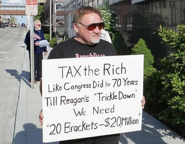 https://static.independent.co.uk/s3fs-public/styles/article_small/public/thumbnails/image/2017/06/14/11/james-hodgkinson.jpg