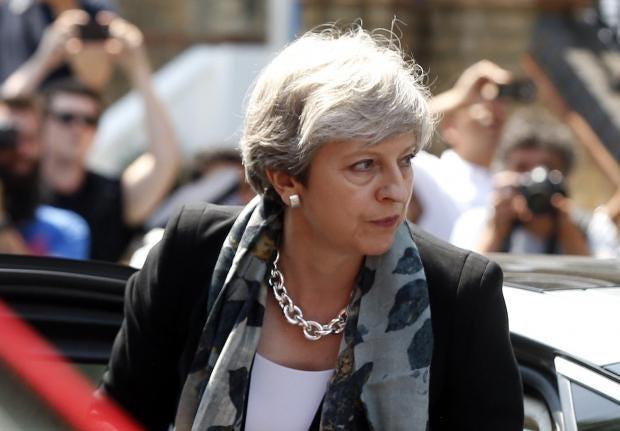 Theresa-May-car.jpg