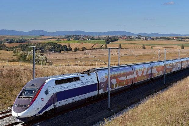 Why the new french fast train to bordeaux shows speed is for Cocktail tgv