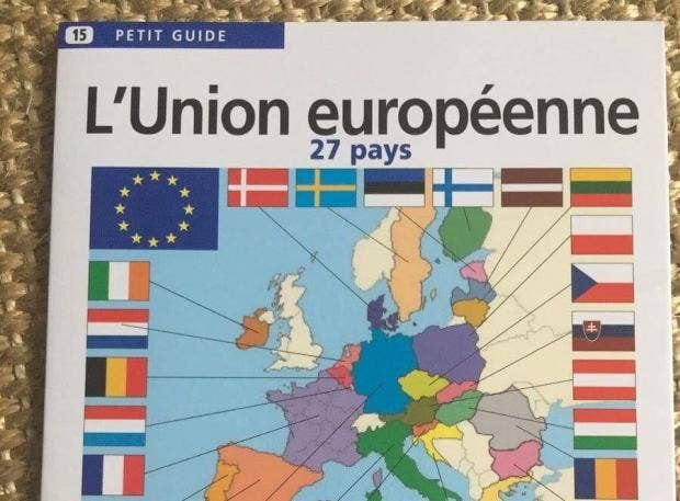 Brexit uk already removed from eu map in french school books the aedis petit guide to the eu shows all of the other 27 member states shaded in a different colour with each of their national flags all surrounding a gumiabroncs Gallery