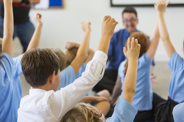 Las máquinas inteligentes reemplazarán a los maestros en un plazo de 10 años, según predice el director de escuelas públicas
