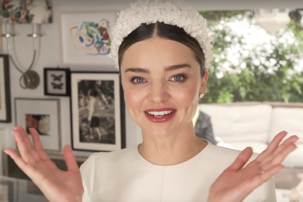 Miranda kerr shares photos from wedding to snapchat ceo for Spiegel young money etf