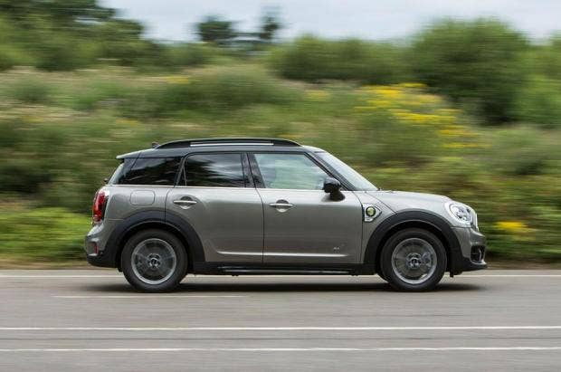 latest mini is a hybrid 4x4 countryman the independent. Black Bedroom Furniture Sets. Home Design Ideas