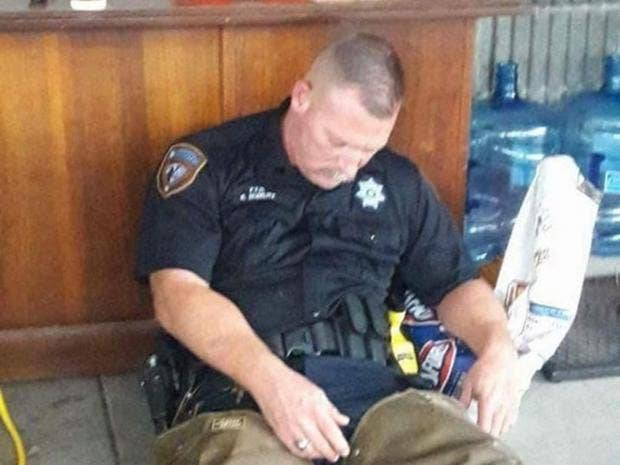 dating a police officer reddit Familiarize yourself with reddit  /r/femmethoughts /r/birthcontrol /r/dating_advice /r/oney /r/makeupaddiction /r  would you date a police officer.