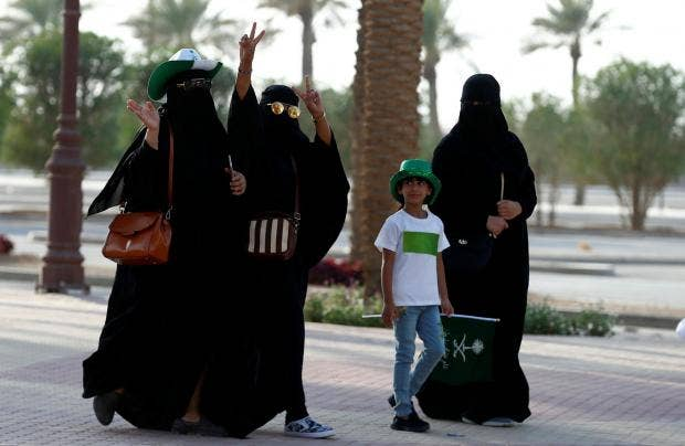 Eight Things Women Still Cant Do In Saudi Arabia The Independent - 8 things to know before visiting the middle east