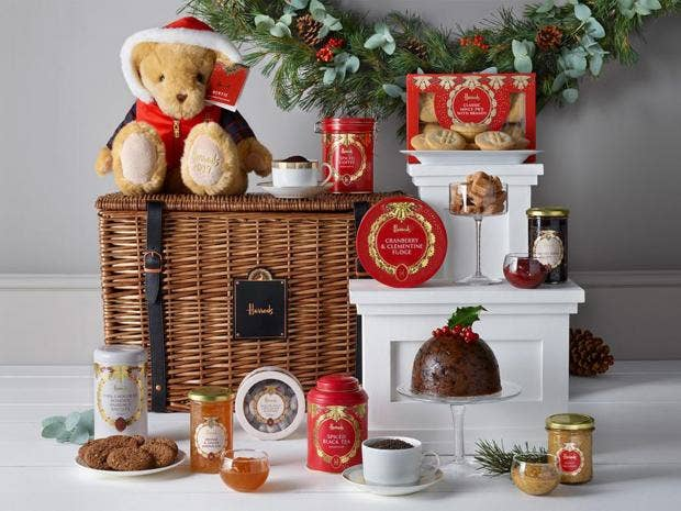 11 best christmas food and drink hampers the independent negle Image collections