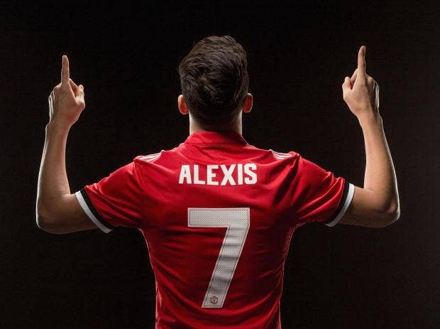 Alexis Sanchez handed the famous number 7 shirt after