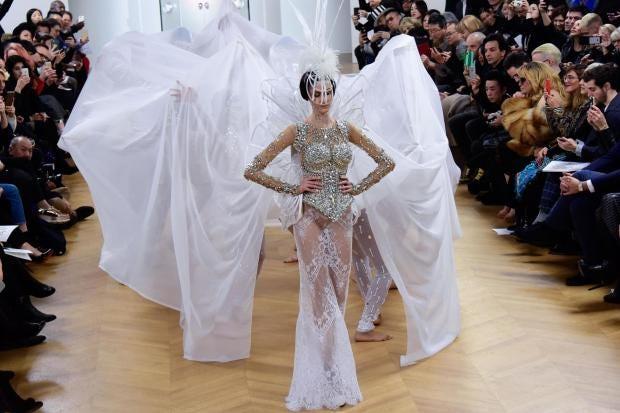 wedding dress paris