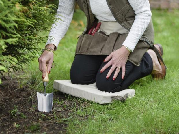 garden kneelers. 10 Best Garden Kneelers A