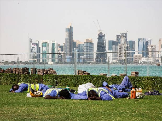 Investigation bayern munich ignored human rights watch report workers sleep in the sun as construction continues in doha josimarfaiz abu rmeleh fandeluxe Gallery