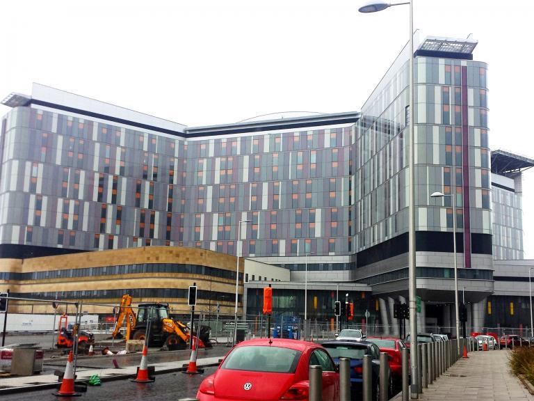 web-queen-uni-hospital-glasgow-cc.jpg