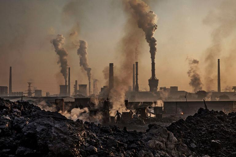 Carbon dioxide levels in Earth's atmosphere reach 'highest level in 800,000 years'