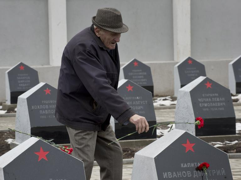 Russia asks Ukraine and Poland to stop people vandalising Soviet war monuments
