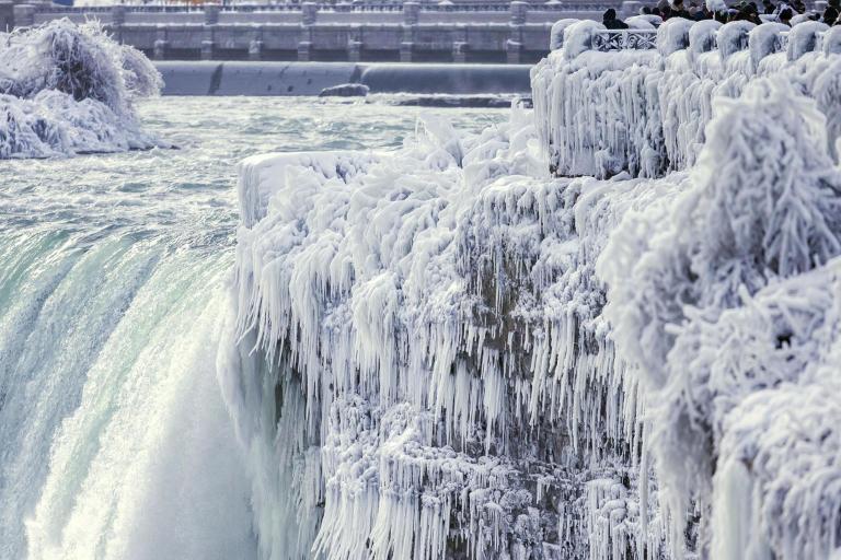niagara-frozen-1.jpg