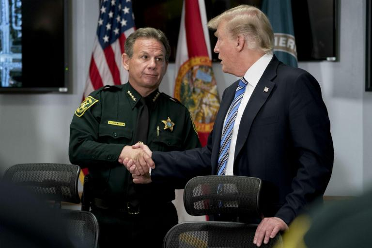 trump-police-guns-.jpg