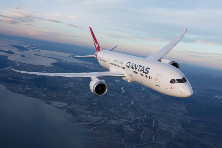qantas-dreamliner.jpg