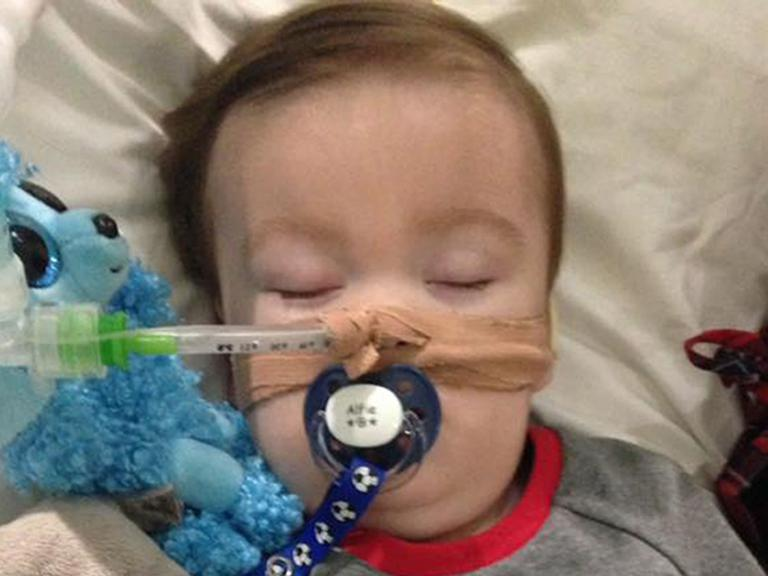 Alfie Evans: Protesters attempt to storm children's hospital after European Court of Human Rights refuses to intervene in case
