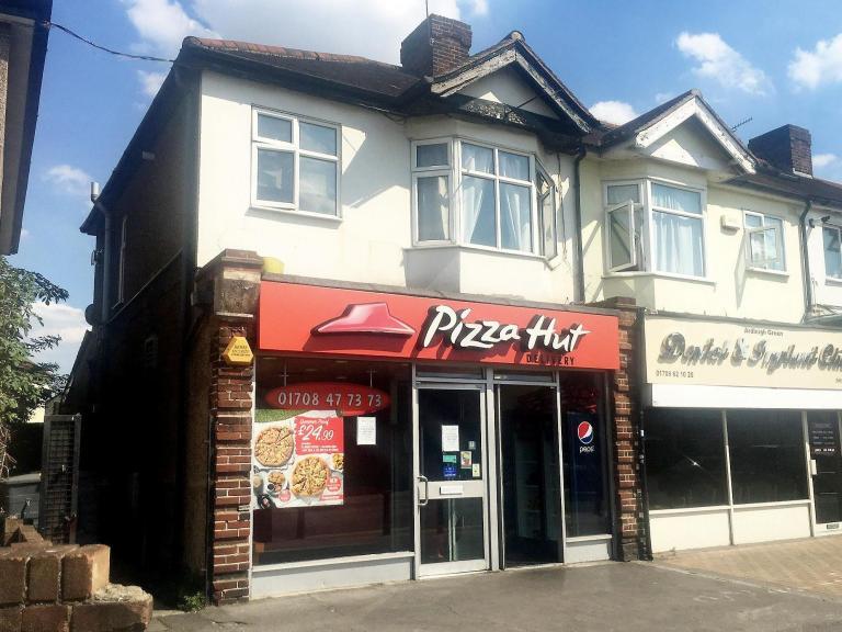 pizza-hut-stratford-harassment.jpg