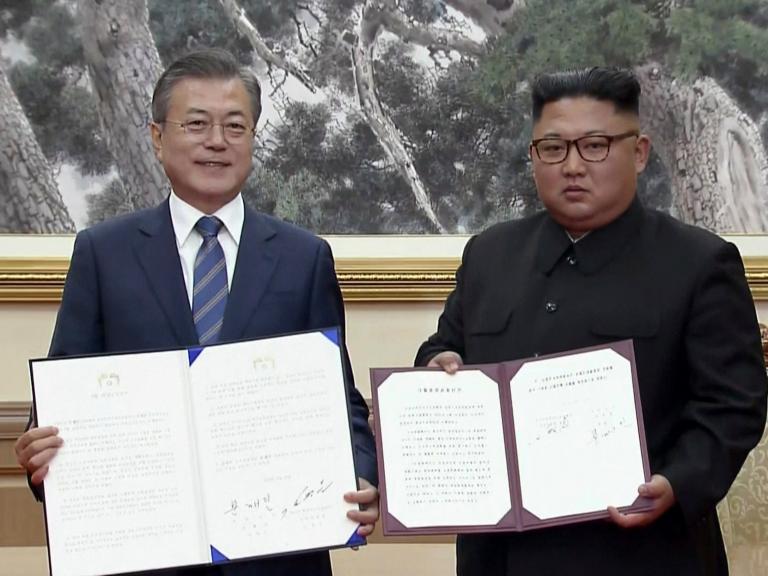 kim-moon-summit.jpg
