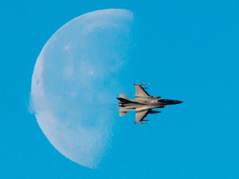 f-16-moon.jpg