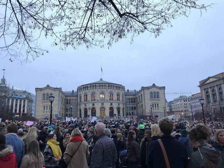 womens-abortion-march-norway.jpg