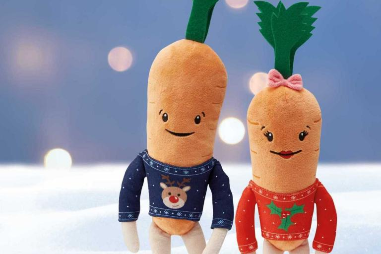kevin-the-carrot-plush-toy-d.jpg