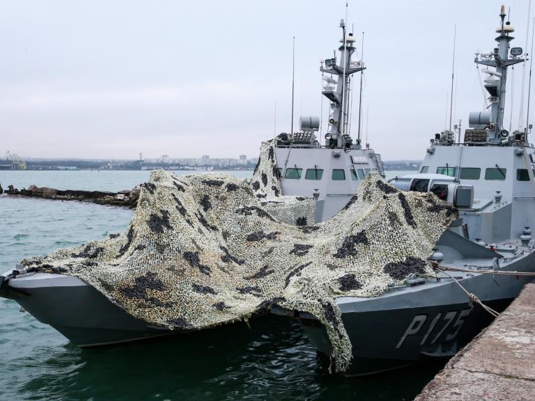 navy-boat.jpg