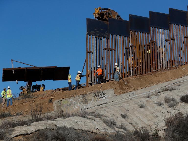 Trump-border-wall.jpg