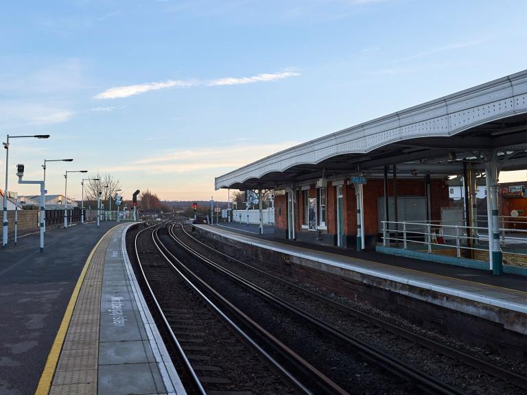 train-station-selhurst.jpg
