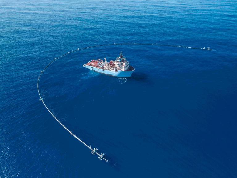 boat-ocean-cleanup.jpg