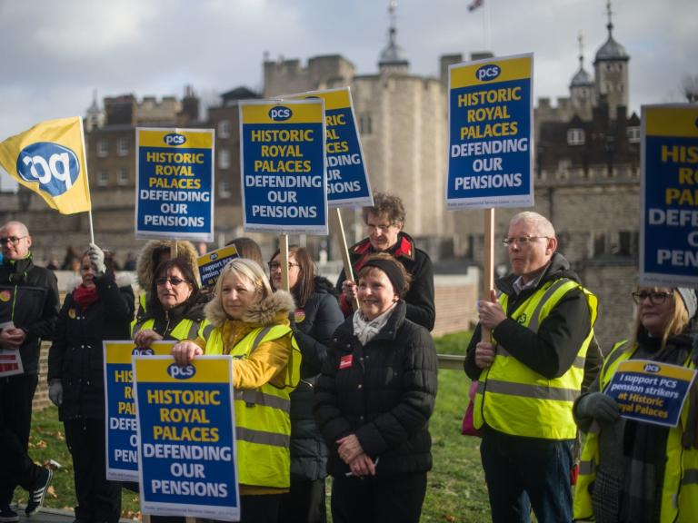Strike-action-at-Tower-of-London.jpg